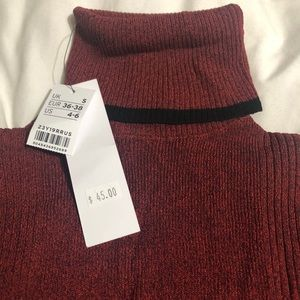 NWT!!! TOPSHOP roll neck sweater size S